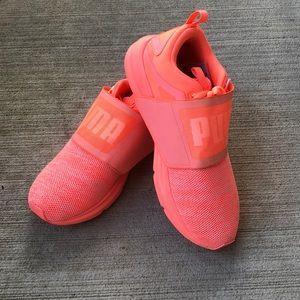 •PUMA• Sneakers